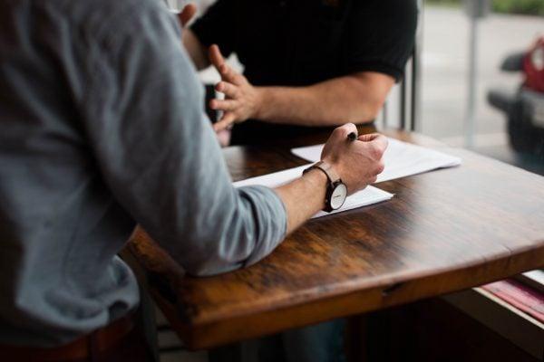 Cum să ai un interviu de succes pentru job? 4 întrebări dificile