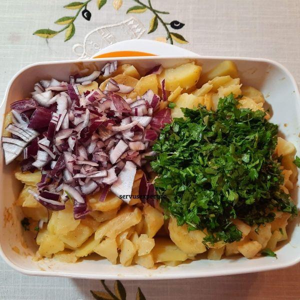 salata de cartofi cu dressing de muștar